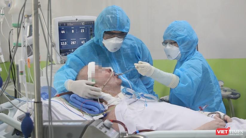 Bệnh nhân 91 có thể cười, bắt tay bác sĩ