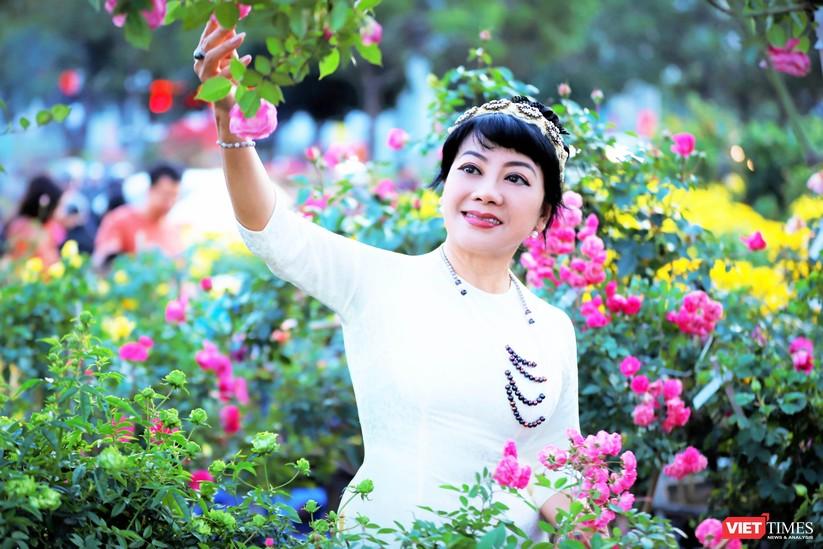 """Chàng trai tạo """"thiên đường hồng"""" Ban Mê Garden cho chị em selfie ảnh 12"""