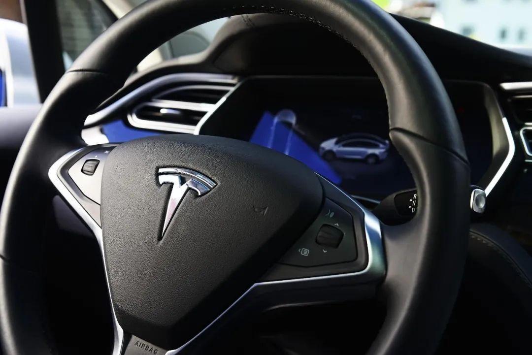 """Vì sao người Trung Quốc lại """"dị ứng"""" với xe Tesla? ảnh 1"""