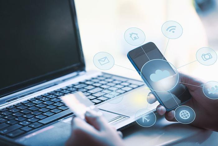 Thời lượng pin lâu hơn, kết nối 5G, máy tính xách tay dần trở thành điện thoại ngoại cỡ? ảnh 4