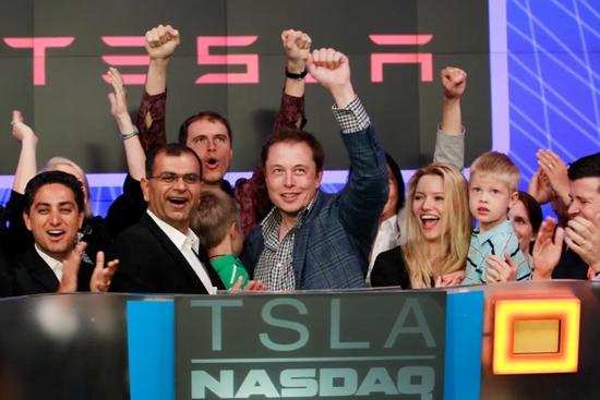 Cuộc đời lừng lẫy nhưng gây tranh cãi của Elon Musk ở tuổi 50 ảnh 6