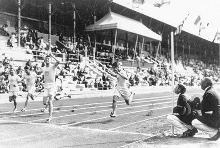 """Nhìn lại 125 năm công nghệ Olympic: Từ """"nhân tạo"""" sang """"trí tuệ"""" ảnh 1"""