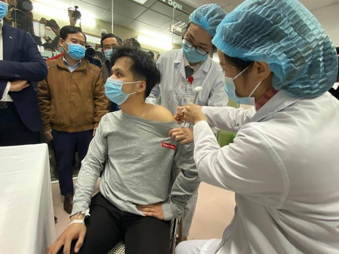 """Lộ trình nào để Việt Nam tiến tới """"sống chung với virus""""? ảnh 2"""