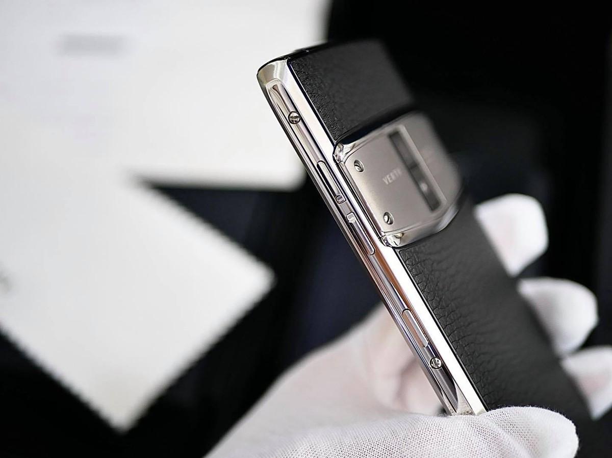 Phần 3: Tắt sóng 2G, người dùng Vertu nói gì khi điện thoại của họ có thể không sử dụng được? ảnh 1