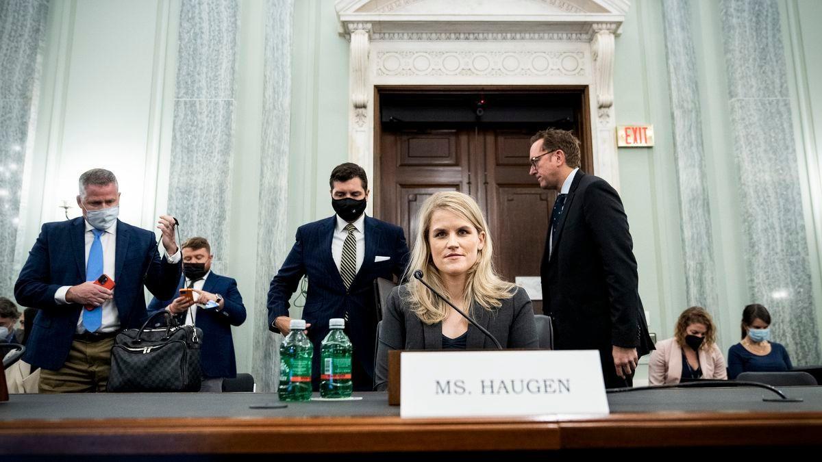 Frances Haugen - người tố cáo Facebook đã nói gì khi đứng ra làm chứng trước Thượng viện Mỹ? ảnh 1