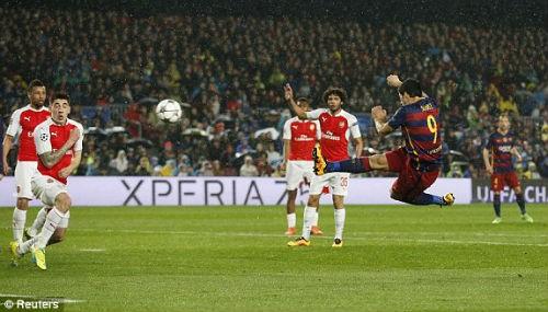 """Barca - Arsenal: """"Chết"""" vì siêu phẩm ảnh 1"""