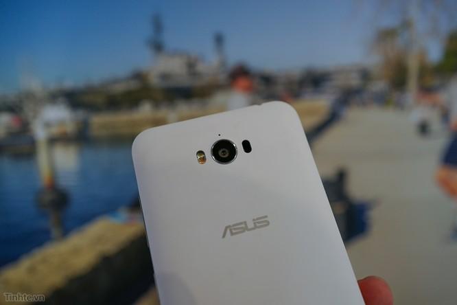 Trên tay Asus Zenfone Max: điện thoại kiêm pin di động giá 4.5 triệu đồng ảnh 10