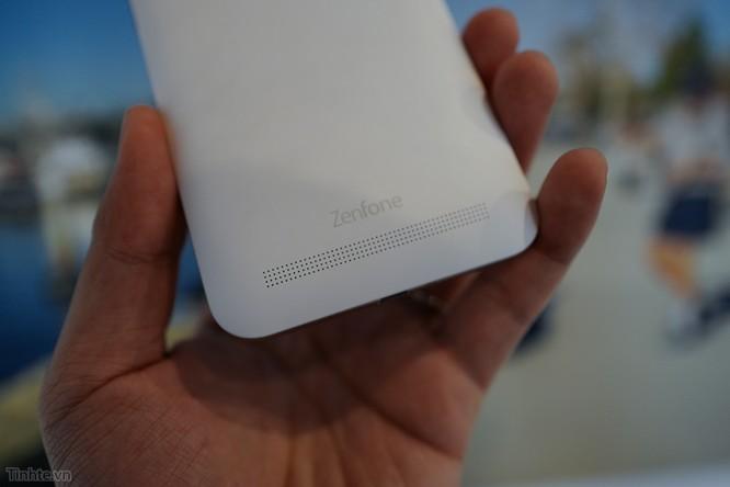 Trên tay Asus Zenfone Max: điện thoại kiêm pin di động giá 4.5 triệu đồng ảnh 9