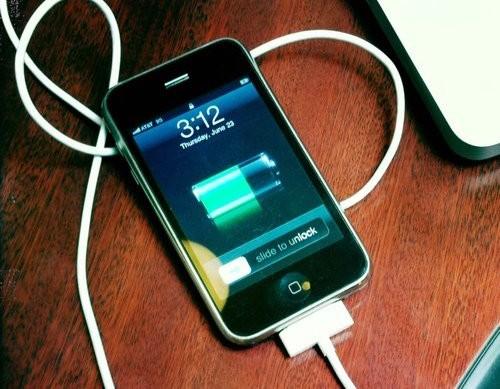 6 lời khuyên giúp tăng tốc sạc smartphone ảnh 1