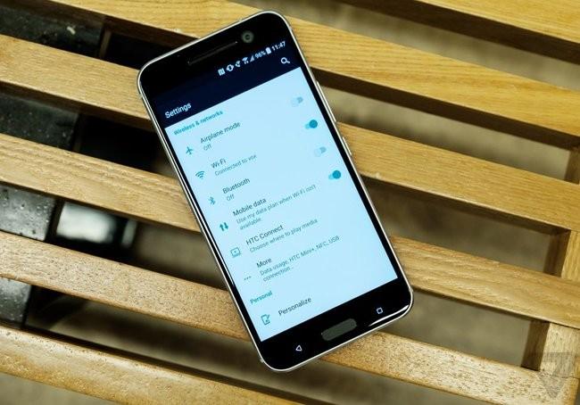 Trên tay chiếc HTC 10 thiết kế cực nam tính ảnh 12