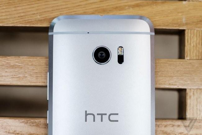Trên tay chiếc HTC 10 thiết kế cực nam tính ảnh 4