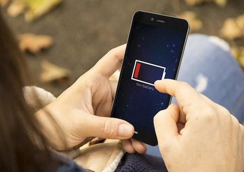 """Những lý do điện thoại cơ bản """"ăn đứt"""" smartphone ảnh 1"""