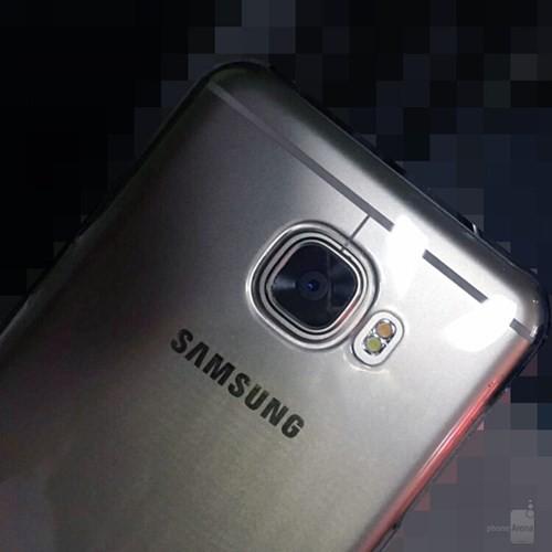 Ngắm điện thoại Galaxy C5 thiết kế giống HTC 10 ảnh 1