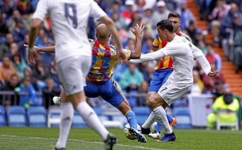 Real Madrid - Valencia: Người hùng và tội đồ ảnh 1