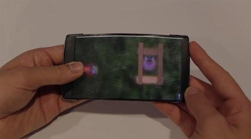 Ra mắt smartphone màn hình uốn dẻo, hiển thị 3D ảnh 6