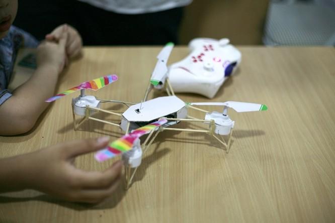 Học sinh lớp 9 chế thiết bị bay không người lái ảnh 13