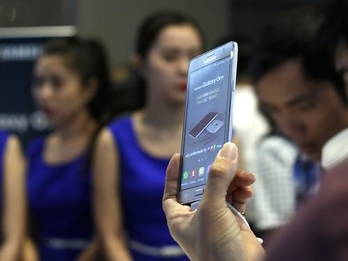 Điện thoại Samsung Galaxy On7 giá 3,99 triệu đồng ảnh 3