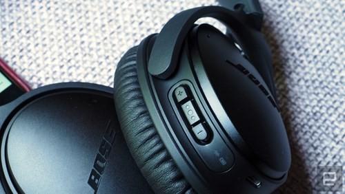 Cận cảnh tai nghe không dây Bose QuietComfort 35 ảnh 3