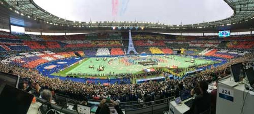 Lễ khai mạc EURO 2016 ngắn ngọn, ngập tràn màu sắc và âm thanh ảnh 19