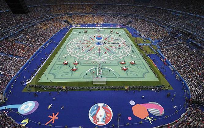 Lễ khai mạc EURO 2016 ngắn ngọn, ngập tràn màu sắc và âm thanh ảnh 1