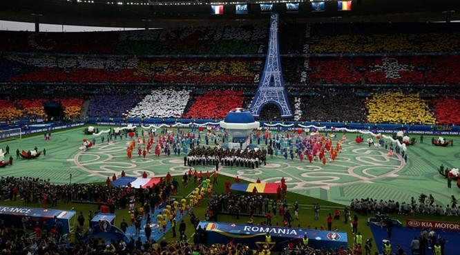 Lễ khai mạc EURO 2016 ngắn ngọn, ngập tràn màu sắc và âm thanh ảnh 3