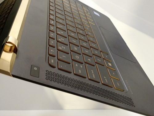 Laptop siêu mỏng HP Spectre giá 42,99 triệu đồng ảnh 6