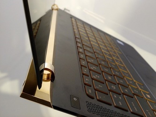 Laptop siêu mỏng HP Spectre giá 42,99 triệu đồng ảnh 5