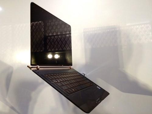 Laptop siêu mỏng HP Spectre giá 42,99 triệu đồng ảnh 1