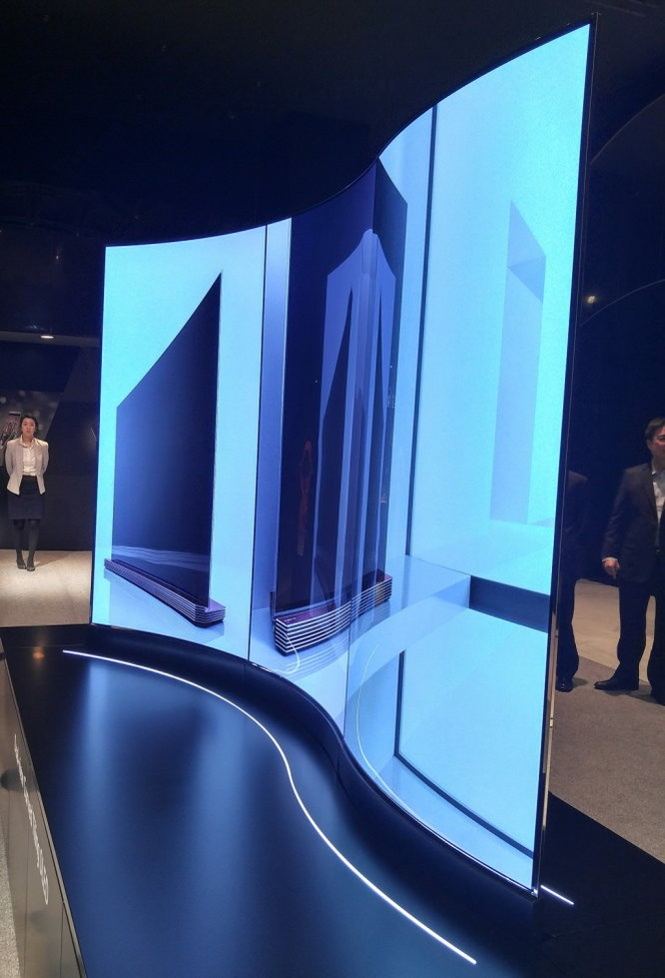 Tivi màn hình cong uốn lượn tại LG InnoFest 2016 ảnh 3
