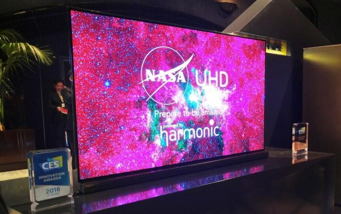 Tivi màn hình cong uốn lượn tại LG InnoFest 2016 ảnh 1