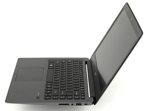 Cận cảnh laptop siêu di động Acer TravelMate X349 ảnh 2