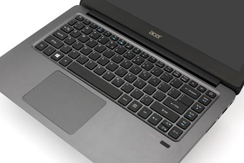 Cận cảnh laptop siêu di động Acer TravelMate X349 ảnh 3