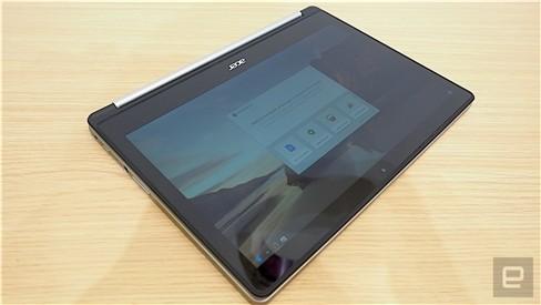 """Xem Acer Chromebook """"làm xiếc"""" xoay 180 độ ảnh 3"""