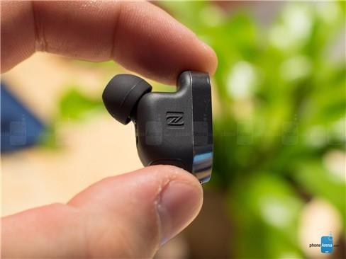 Chiêm ngưỡng tai nghe không dây Sony Xperia Ear ảnh 9