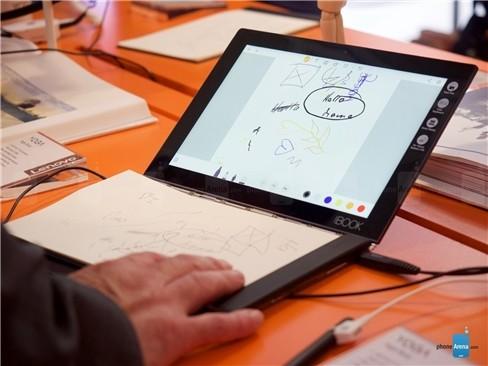 Cận cảnh tablet hàng độc Lenovo Yoga Book ảnh 10