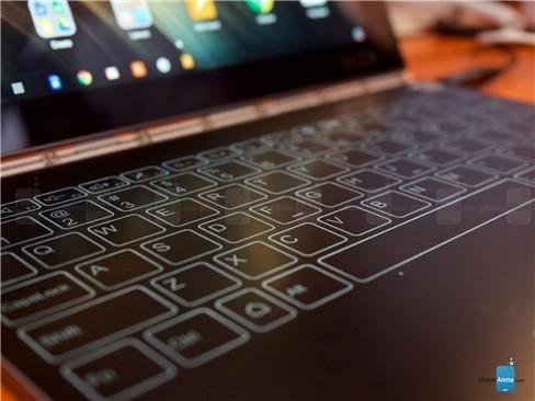 Cận cảnh tablet hàng độc Lenovo Yoga Book ảnh 9