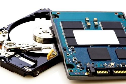 Laptop đang mỏng đi và có tốc độ cao hơn nhờ SSD ảnh 1
