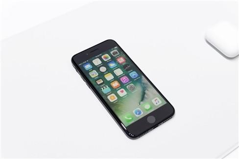 """Video: """"Soi"""" cận cảnh iPhone 7 và iPhone 7 Plus ảnh 13"""