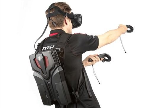 Ngắm PC - ba lô MSI VR One độc đáo ảnh 3