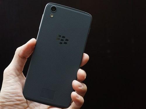 Điện thoại BlackBerry DTEK60 lộ cấu hình ảnh 1