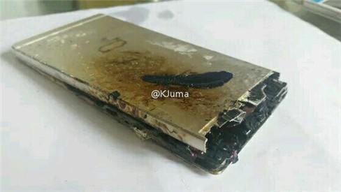 Sau Galaxy Note 7, đến lượt Huawei P8 phát hỏa ảnh 1