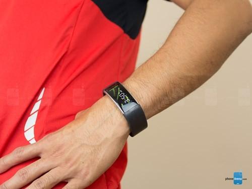 Microsoft ngưng bán vòng đeo tay thông minh Band 2 ảnh 1