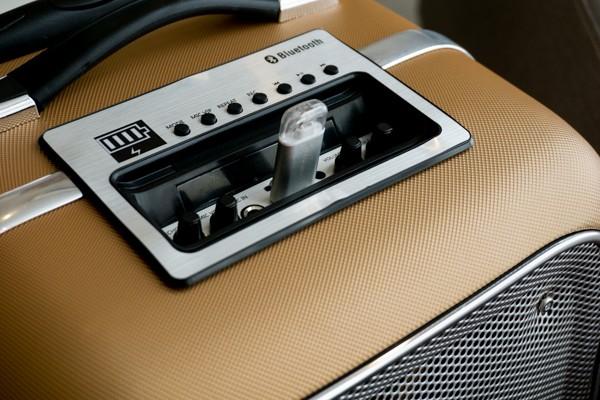 Cận cảnh loa vali hỗ trợ karaoke Soundmax M-6 ảnh 9