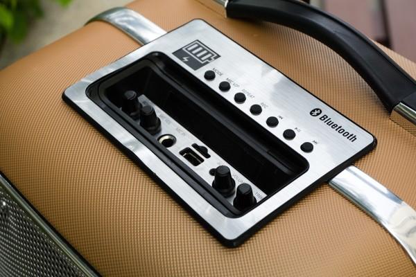 Cận cảnh loa vali hỗ trợ karaoke Soundmax M-6 ảnh 8