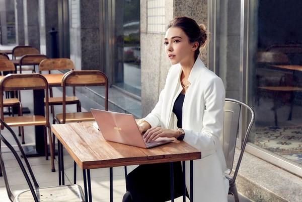 Laptop siêu mỏng nhẹ Asus ZenBook 3 giá 40 triệu đồng ảnh 1
