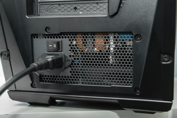 Cận cảnh PC chuyên game Asus ROG GT51 giá 60 triệu đồng ảnh 4