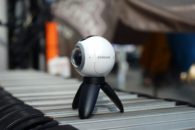 Cận cảnh Samsung camera Gear 360 giá 7 triệu đồng ảnh 7