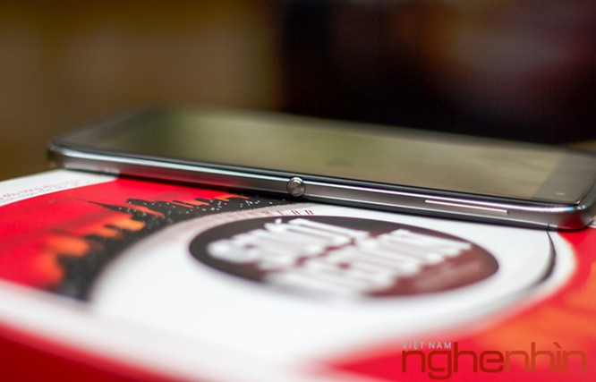 Trên tay Blackberry DTEK60: thiết kế không mới nhưng bóng bẩy hơn ảnh 5