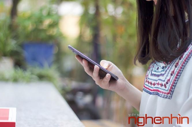 Trên tay Blackberry DTEK60: thiết kế không mới nhưng bóng bẩy hơn ảnh 12