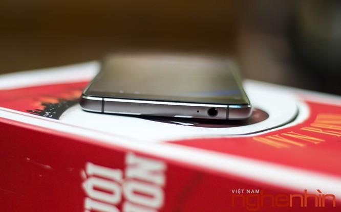 Trên tay Blackberry DTEK60: thiết kế không mới nhưng bóng bẩy hơn ảnh 4